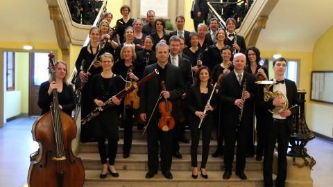 2015-04-Kammerorchester-TUD-im-Treppenhaus-des-Rathauses-von Troyes