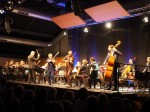 2016-11 Symphonic Jazz II: Uwaga! und Kammerorchester an der TU Darmstadt unter Leitung von Arndt Heyer in der Centralstation (Foto: Gerspach)